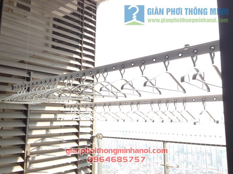 Giàn phơi nhập khẩu Singapore nhà anh Hậu tháp IPH Xuân Thủy, Cầu Giấy 05