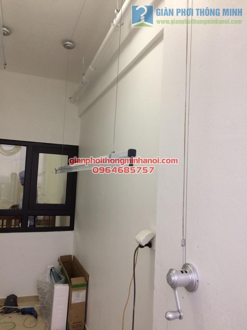 Hoàn thiện lắp đặt giàn phơi quần áo tại lô gia nhà chị Hà, Hateco Hoàng Mai - 02