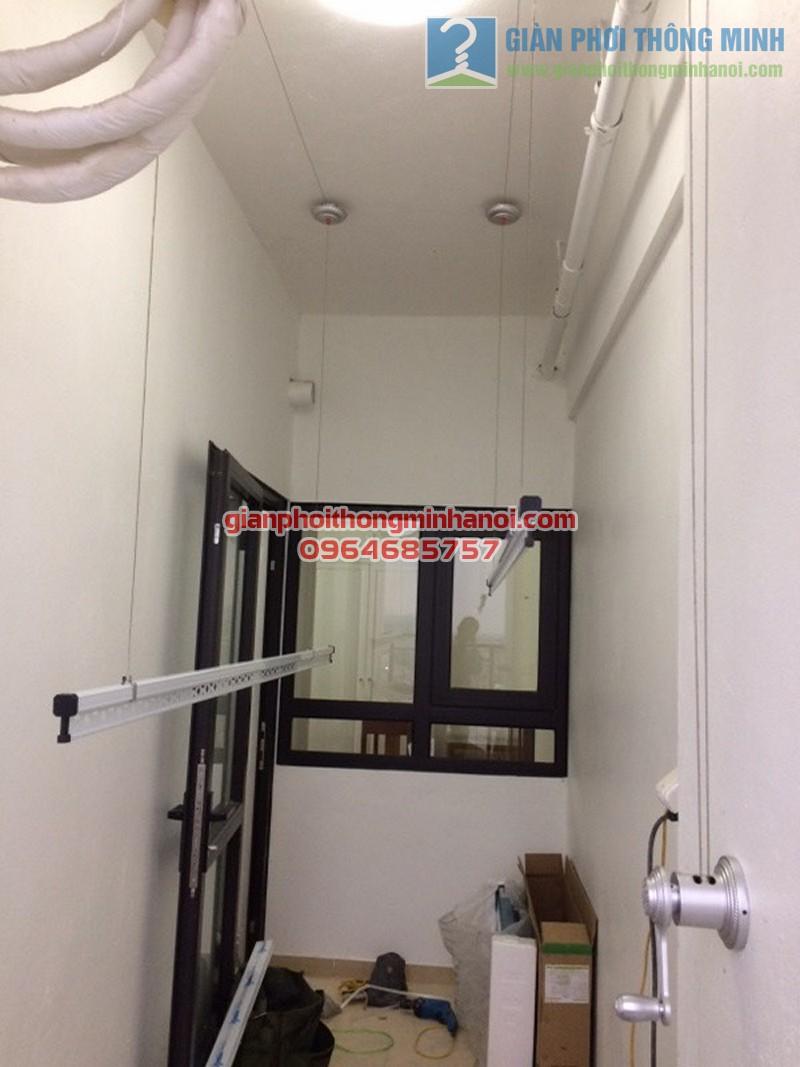 Hoàn thiện lắp đặt giàn phơi quần áo tại lô gia nhà chị Hà, Hateco Hoàng Mai - 03