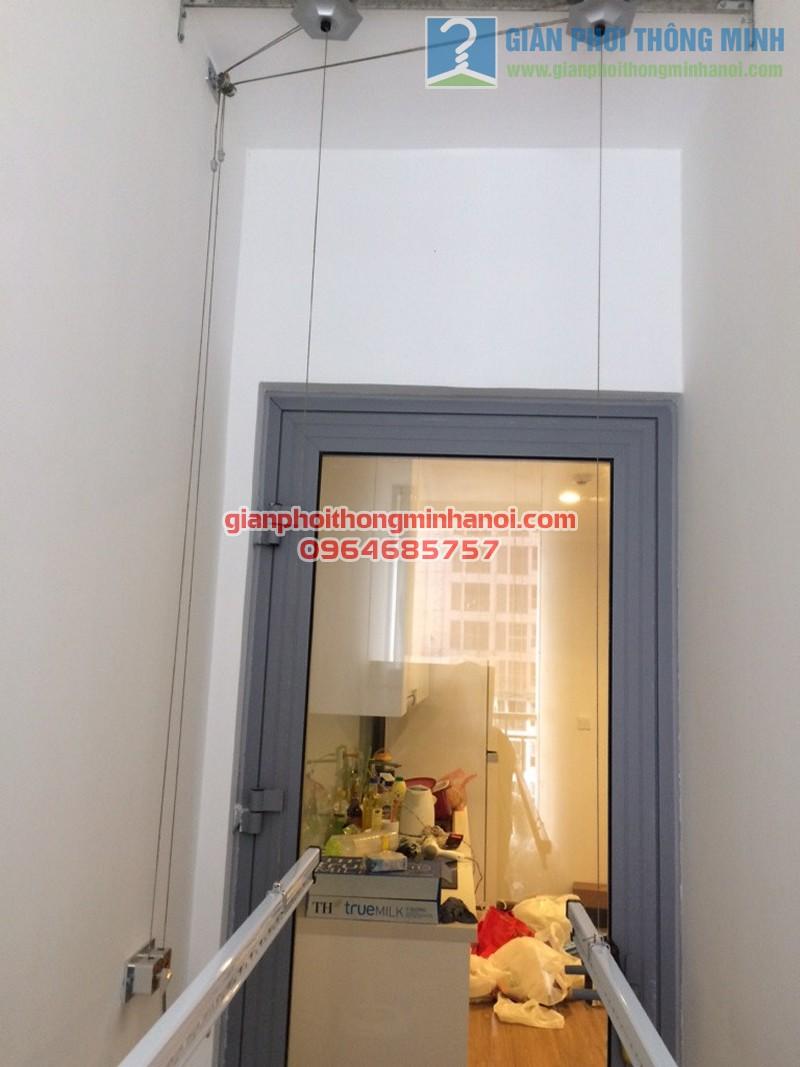 Hoàn thiện lắp đặt giàn phơi thông minh Hoà Phát AIR tại nhà cô Mười, tòa Park 3, Park Hill - 04