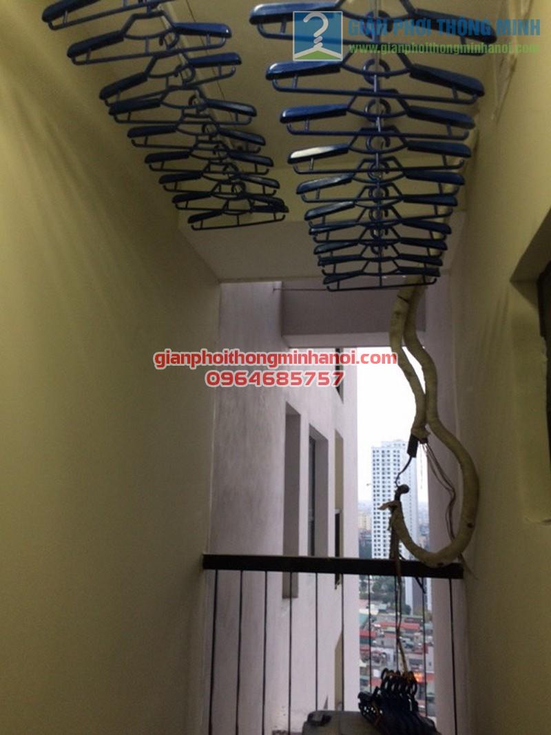 Lắp đặt giàn phơi nhập khẩu Thái Lan bền đẹp nhà chị Chanh, Helios Tower - 04