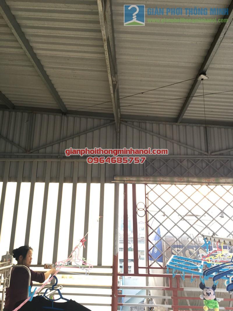 Sửa giàn phơi thông minh gặp sự cố hỏng tay quay tại nhà chị Thảo, Thái Hà - 06