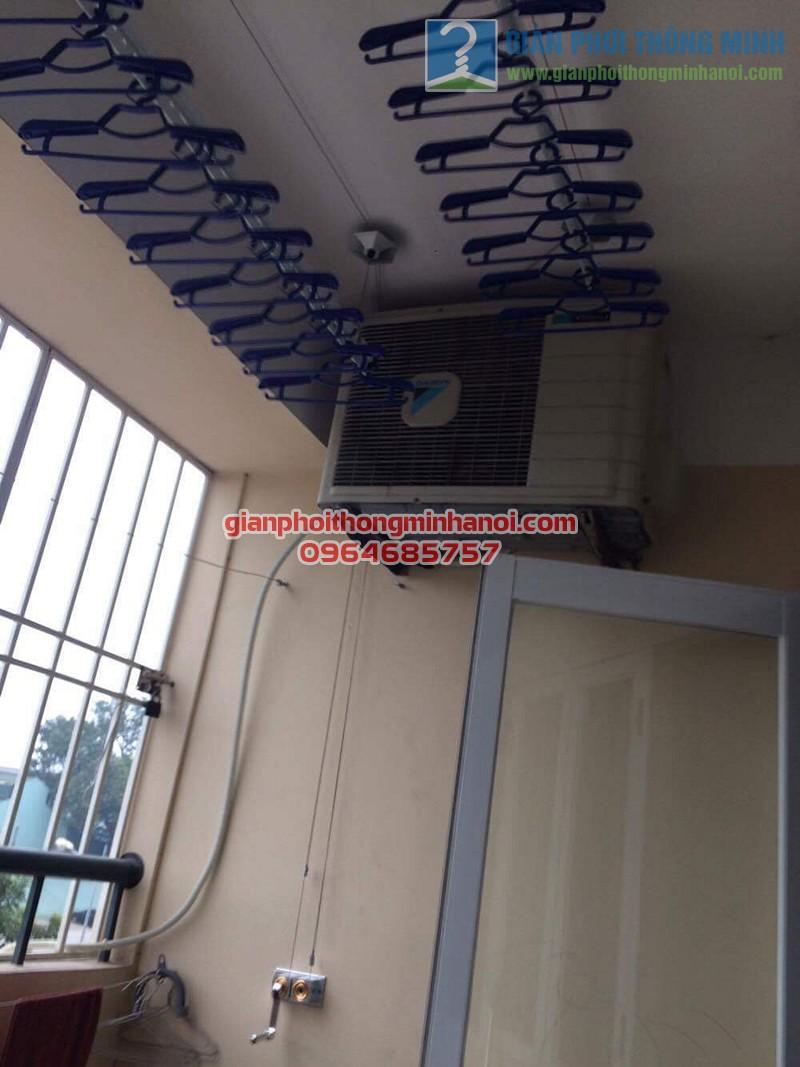 Ban công đẹp gọn hơn nhờ lắp đặt giàn phơi nhập khẩu Thái Lan nhà chị Thương, KĐT Sài Đồng - 03