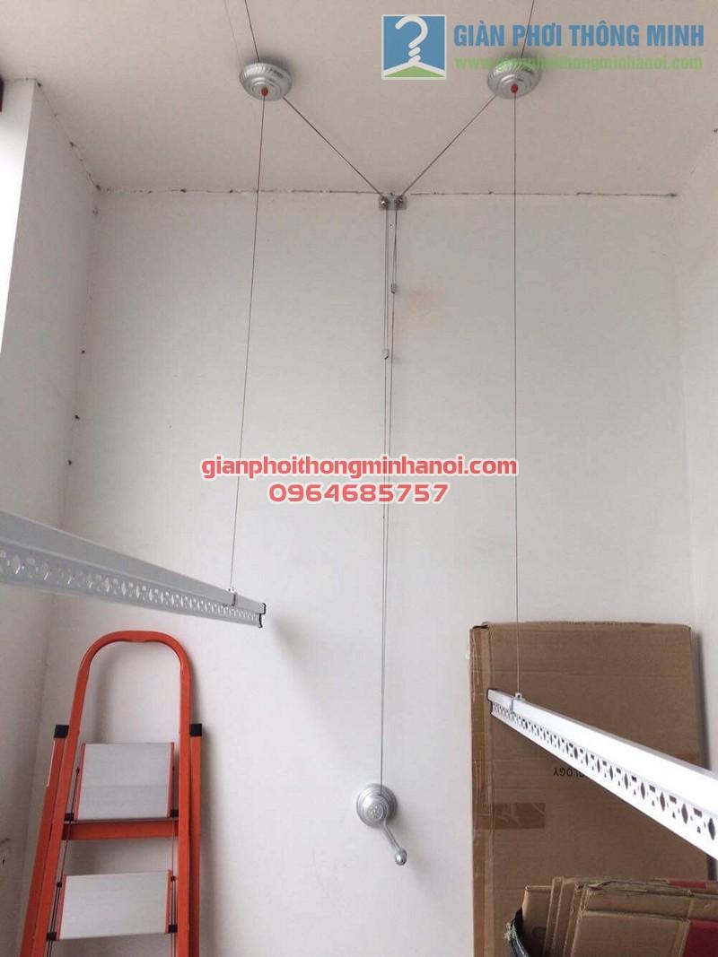 Hoàn thiện lắp đặt giàn phơi thông minh nhà chị Minh, tòa R5A, Royal City - 02