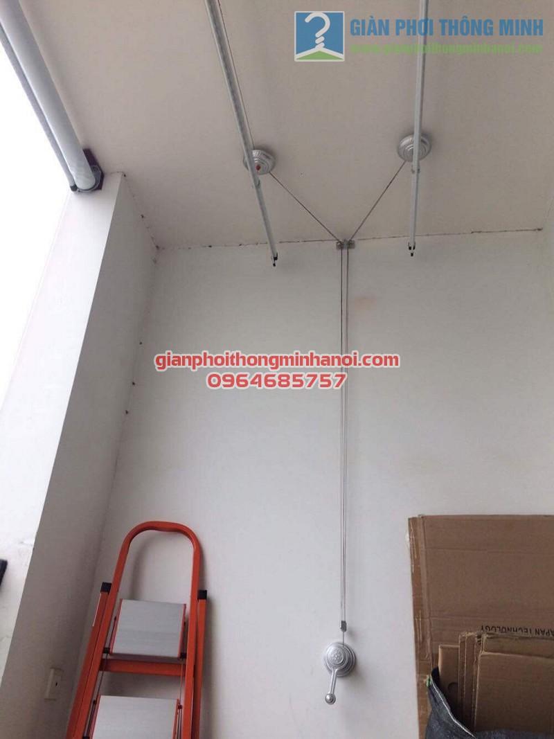 Hoàn thiện lắp đặt giàn phơi thông minh nhà chị Minh, tòa R5A, Royal City - 04