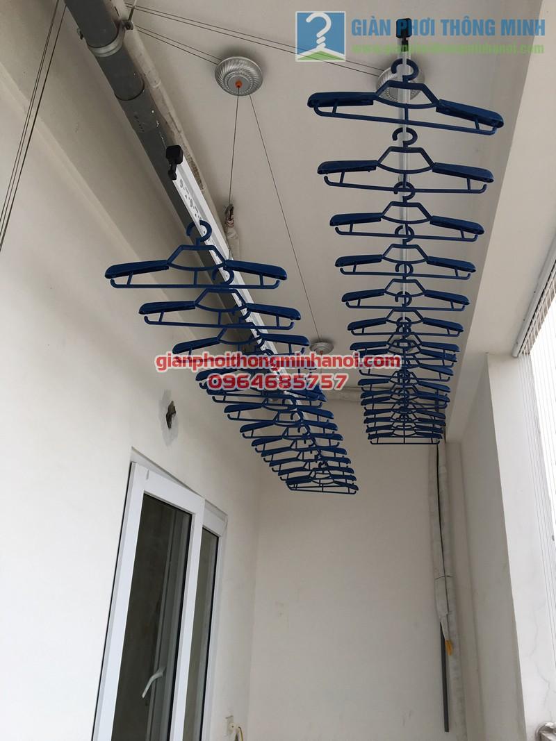 Lắp đặt giàn phơi thông minh tại ban công nhà cô Tâm, chung cư Đông Đô - 04