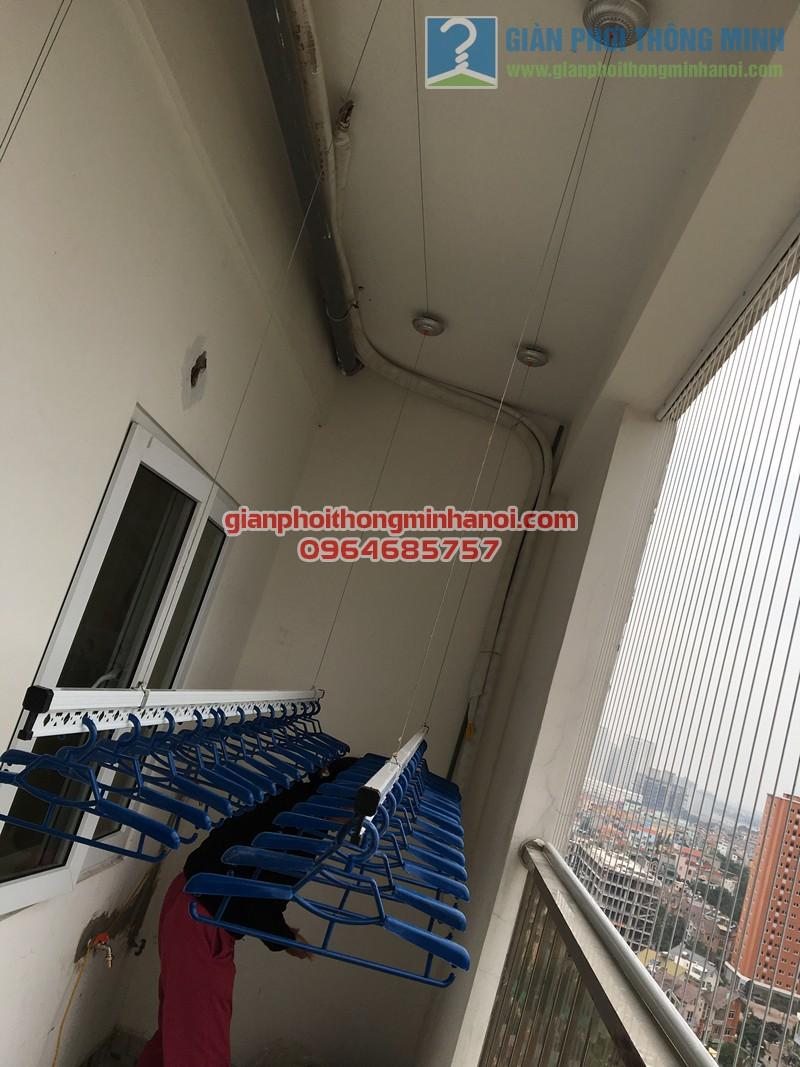 Lắp đặt giàn phơi Hàn Quốc tại ban công nhà cô Tâm, chung cư Đông Đô - 01