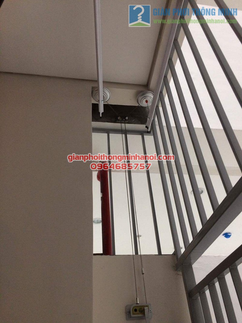 Lắp đặt giàn phơi nhập khẩu tự động tăng độ thoáng ban công nhà chị Lan, Mipec Long Biên - 04
