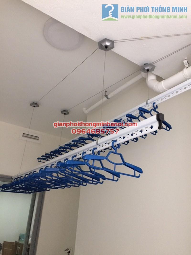 Lô gia hiện đại, tiện ích nhờ lắp đặt giàn phơi thông minh Hoà Phát AIR nhà chị Hằng, Linh Đàm - 04