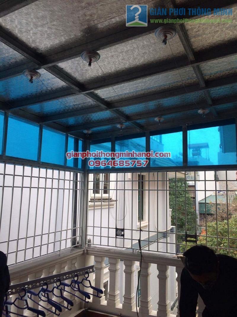 Lắp đặt giàn phơi nhập khẩu Thái Lan cho sân phơi trần mái tôn nhà cô Lam, KBT Văn Quán - 01