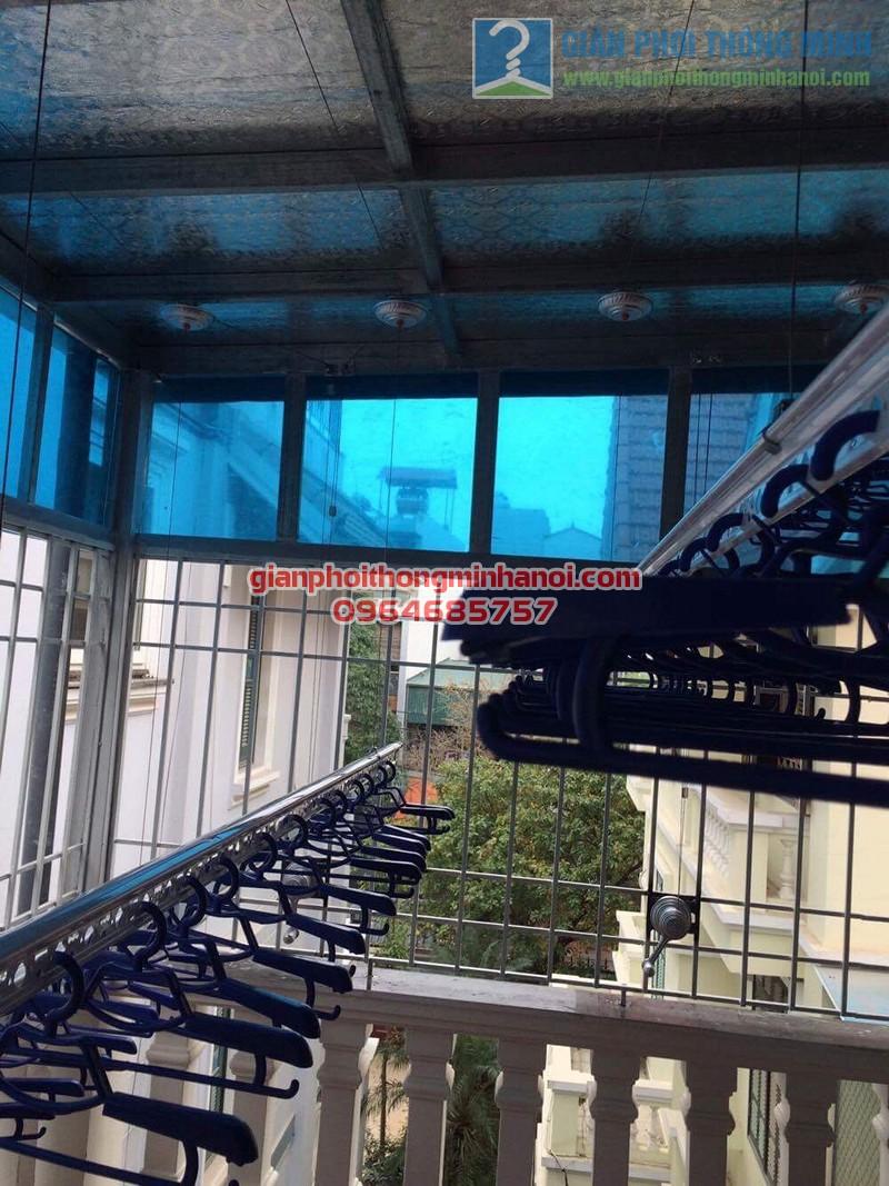 Lắp đặt giàn phơi thông minh cho sân phơi trần mái tôn nhà cô Lam, KBT Văn Quán