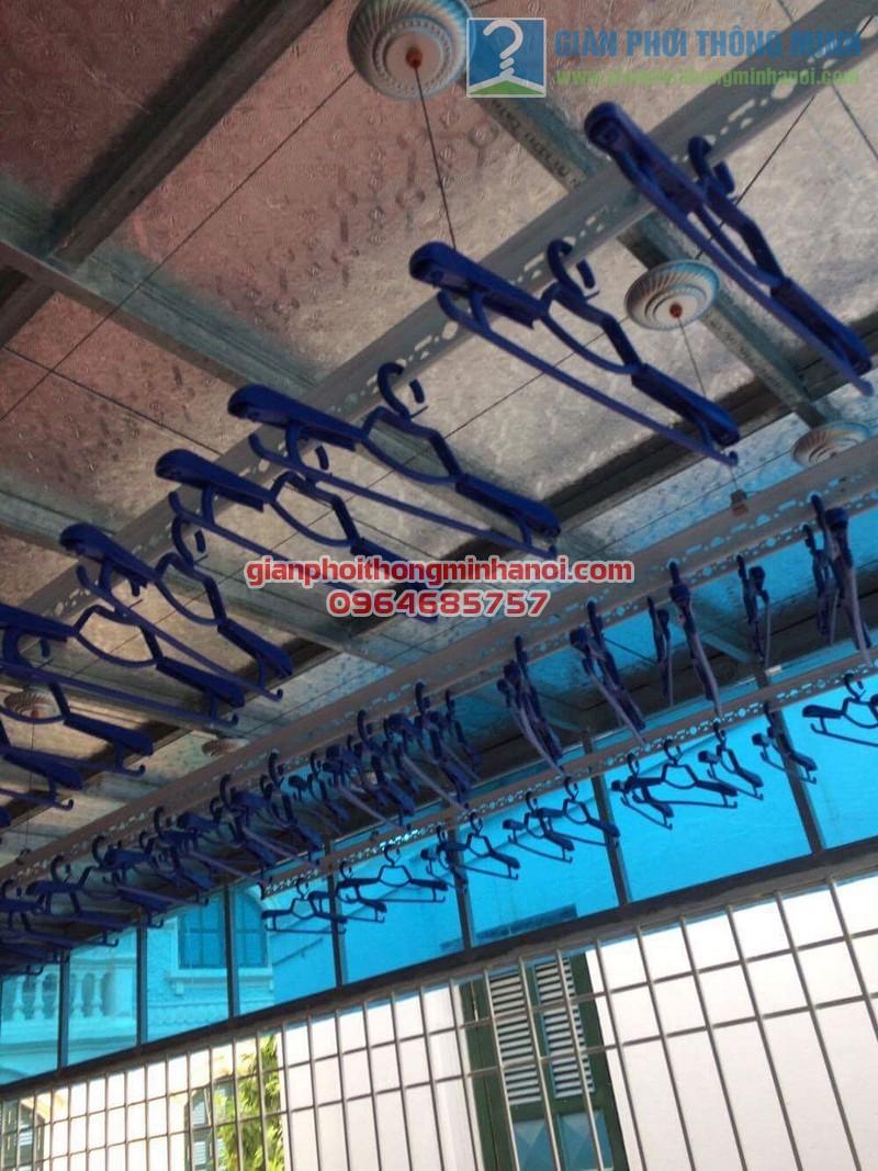 Lắp đặt giàn phơi nhập khẩu Thái Lan cho sân phơi trần mái tôn nhà cô Lam, KBT Văn Quán - 05