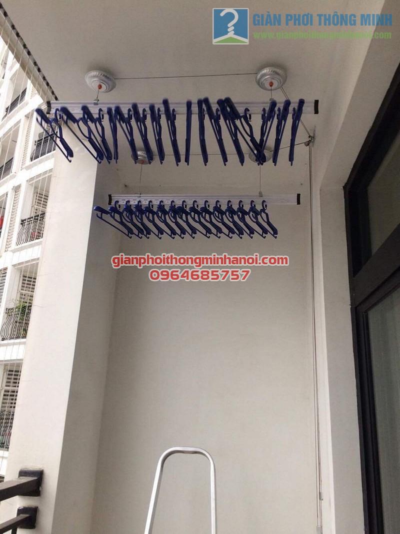 Lắp đặt giàn phơi nhập khẩu Singapore nhà chị Vân P1605, tòa R4, Royal City