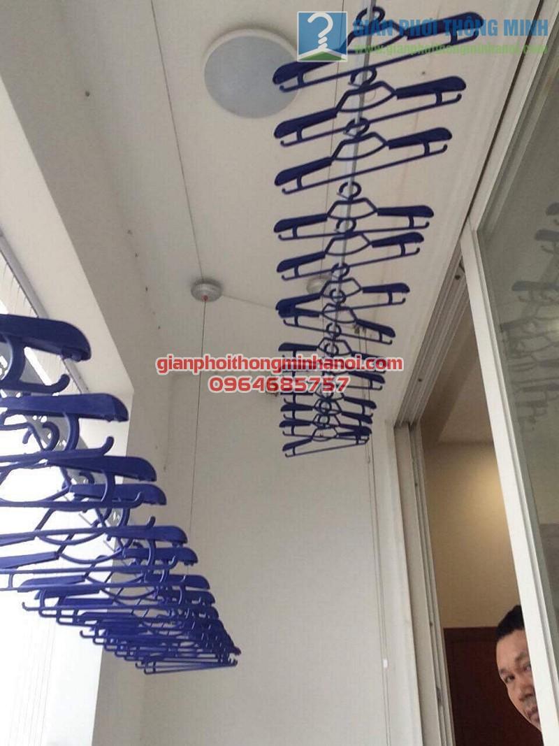 Lắp đặt giàn phơi nhập khẩu Singapore nhà chú Chiến, chung cư Ngoại Giao Đoàn - 03