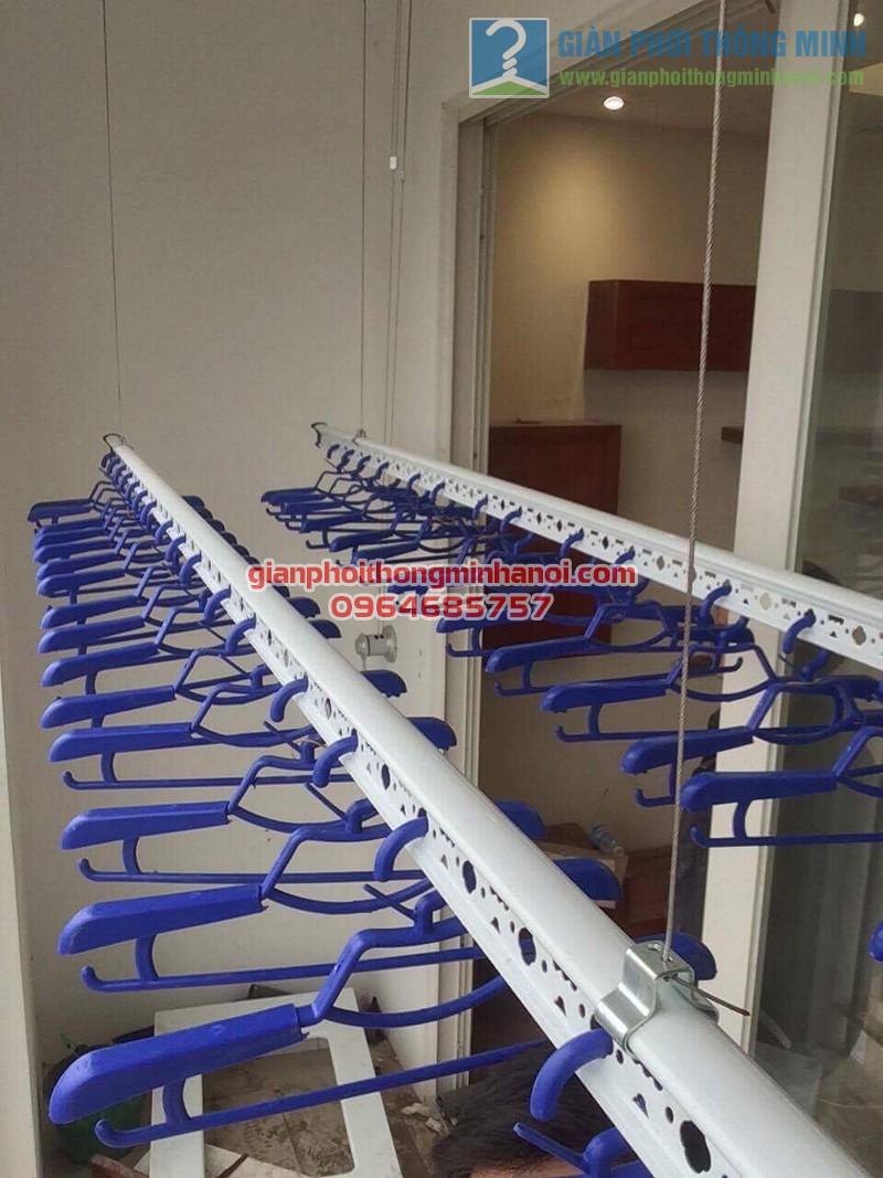 Lắp đặt giàn phơi nhập khẩu Singapore nhà chú Chiến, chung cư Ngoại Giao Đoàn - 06