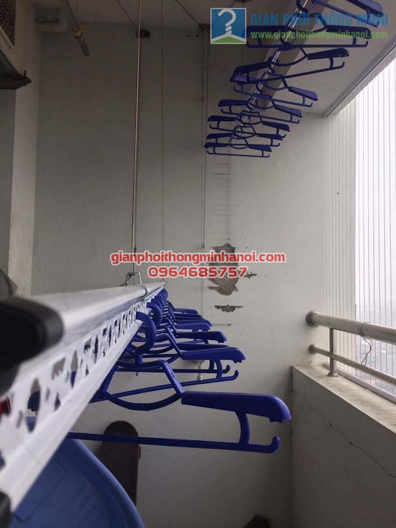 Lắp đặt giàn phơi Hàn Quốc tại ban công nhà chị Hằng, tháp A Hà Thành Plaza
