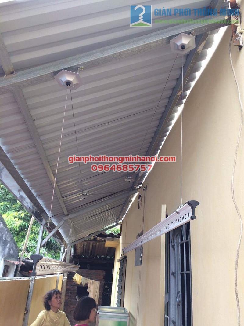 Lắp đặt giàn phơi thông minh trên nền trần mái tôn chéo nhà chị Trang, Lĩnh Nam