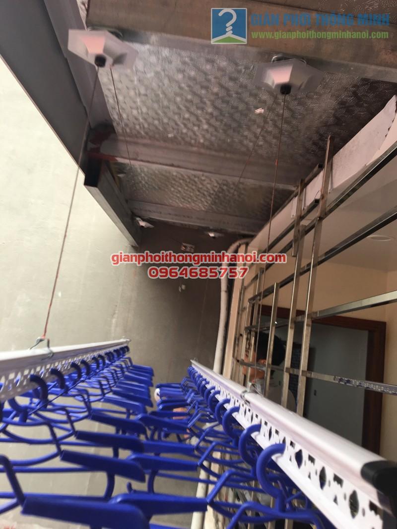 Lắp đặt giàn phơi nhập khẩu tự động ở mái hiên trần mái tôn nhà anh Tuấn, số 35 Hàng Đường