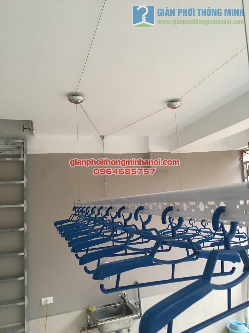 Sân phơi rộng thoáng với giàn phơi đồ thông minh nhà anh Hải, ngõ 207/167/7 Xuân Đỉnh