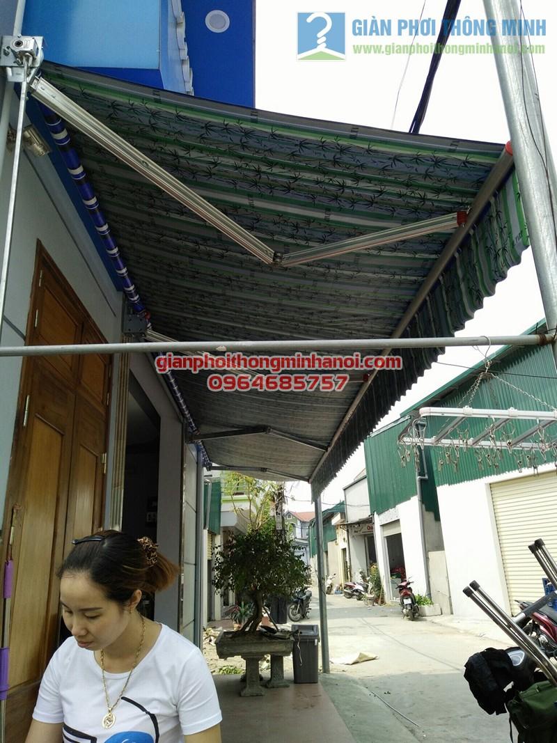 Làm bạt mái hiên di động quay tay tại nhà chị Thảo tại thị trấn Thường Tín
