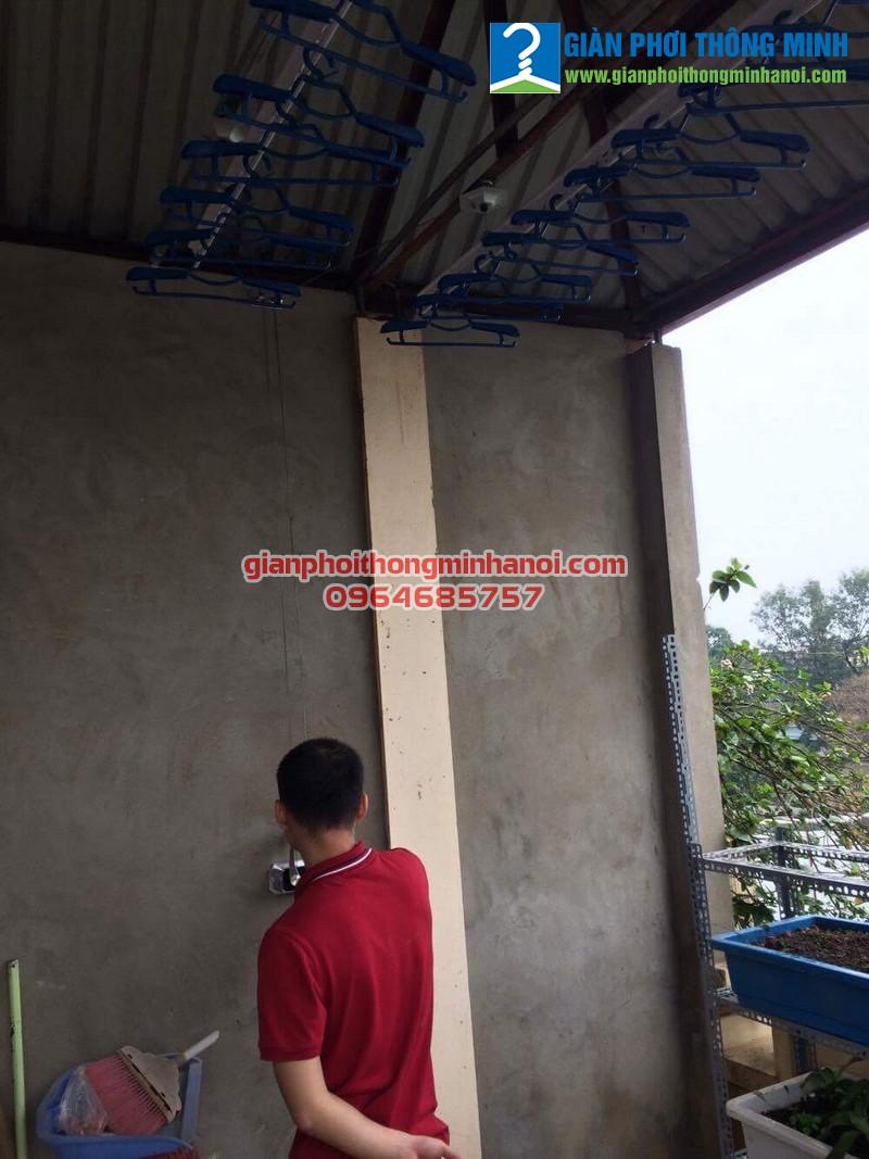 Lắp giàn phơi đồ khu vực mái tôn cho nhà A Vinh.Số 7A.Ngõ 85.Phố Hạ Đình