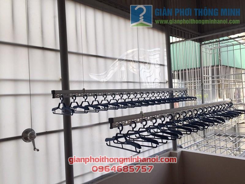 Lắp bộ giàn phơi thông minh cao cấp tại sân phơi mái tôn nhà chị Hân, số 18 Ngõ Gốc Đề