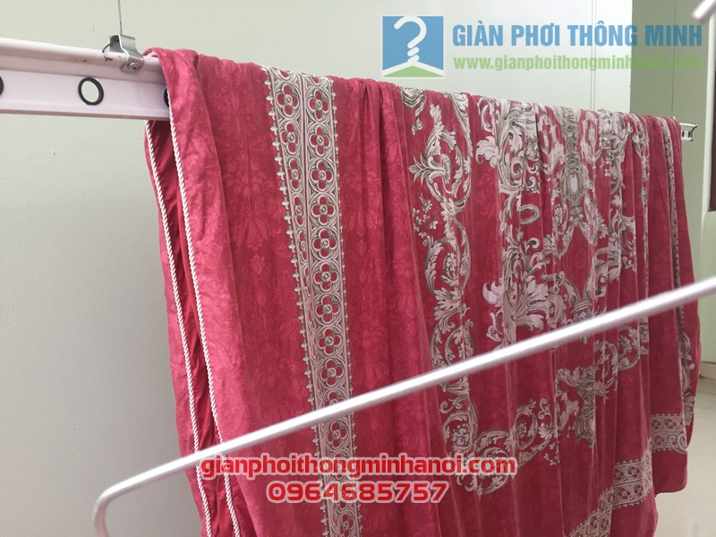 Hình ảnh thực tế về bộ giàn phơi quần áo nhiều tiện ích nhà chị Lam