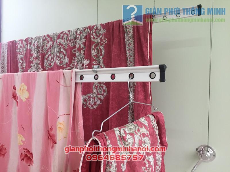Lắp giàn phơi quần áo thông minh nhiều tiện ích nhà chị Lam, ngõ 124 Hoàng Ngân