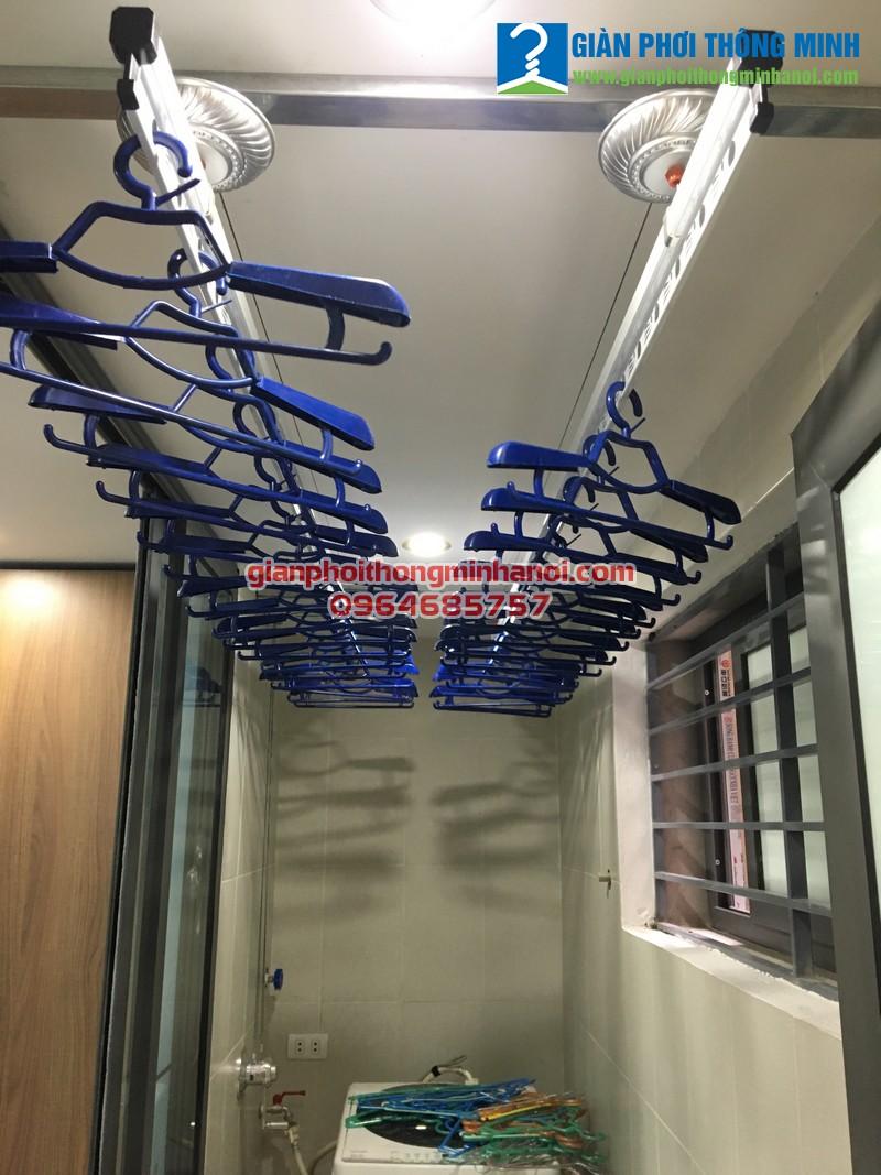 Lắp giàn phơi nhập khẩu Singapore mới nhất 2017 cho nhà chị Hà, P109 khu tập thể Thành Công