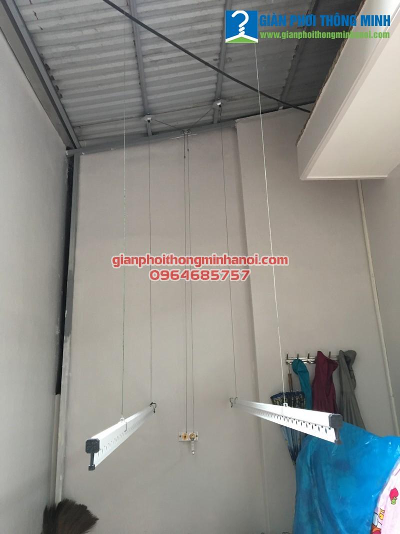 Lắp giàn phơi khu vực mái tôn cho nhà chị Hương, SN43, ngõ 81, Lạc long quân