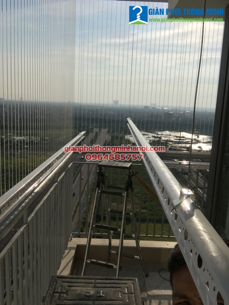 Lắp giàn phơi và lưới an toàn cho nhà anh Bảo tại P2101, N04 - T2, chung cư Ngoại Giao Đoàn