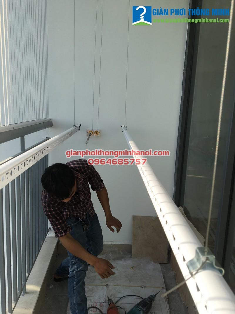 Lắp giàn phơi nhập khẩu và lưới an toàn cho nhà anh Bảo tại P2101, N04 - T2, chung cư Ngoại Giao Đoàn