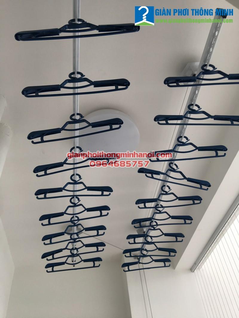 Lắp giàn phơi thông minh nhập khẩu cho nhà chị Ngọc, P2418, Park 8, Park Hill, Time City