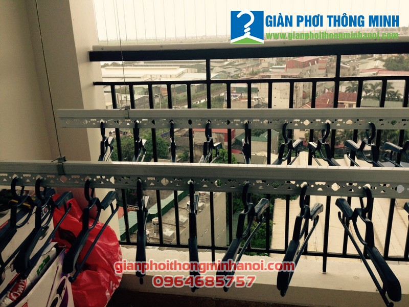 Lắp giàn phơi Hoà Phát Star và lưới an toàn cho nhà chị Vân, LK30 Vinhome Thăng Long
