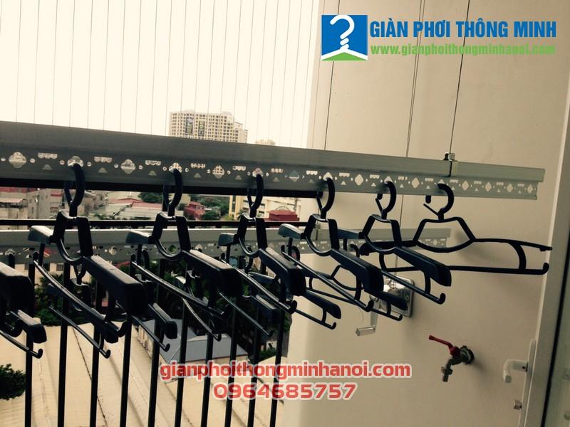 Lắp giàn phơi và lưới an toàn cho nhà chị Vân, LK30 Vinhome Thăng Long