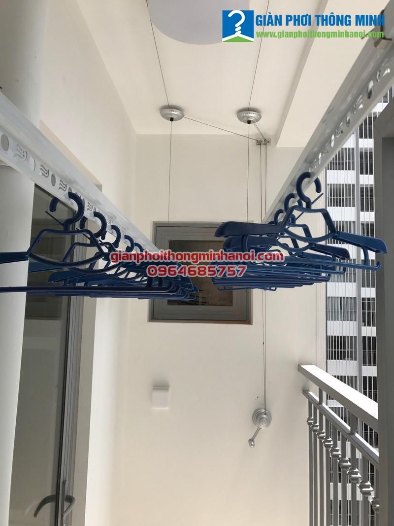 Lắp giàn phơi Hòa Phát GP950 cho nhà Chi P1508, Toà Park 9, Park Hill Time City