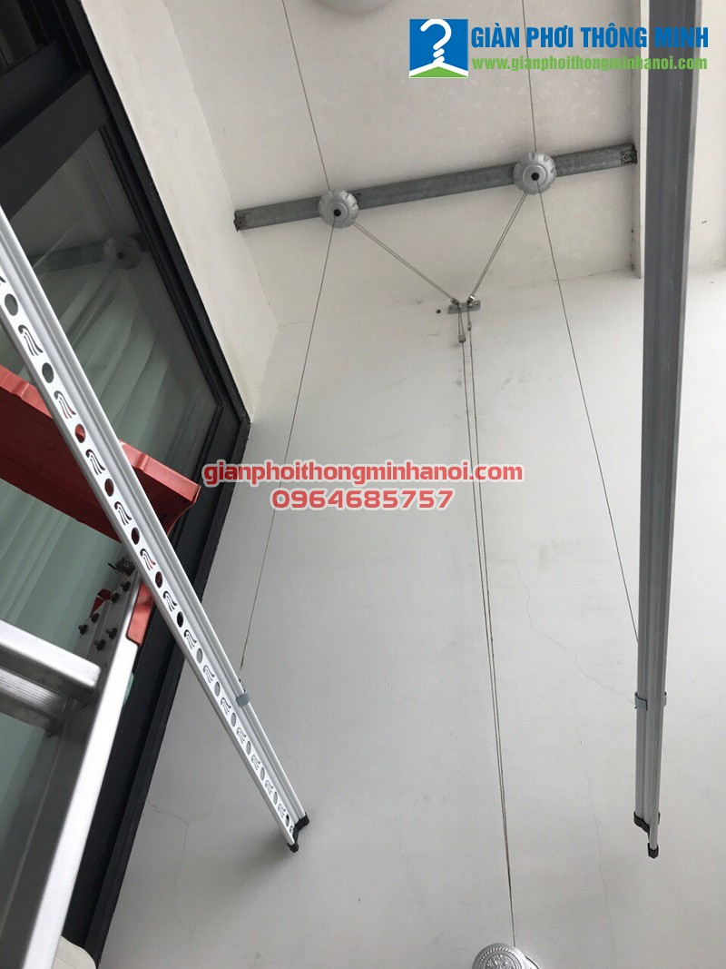 Lắp giàn phơi Hoà Phát Air cho nhà cô Hân, P2907, T2 Times City