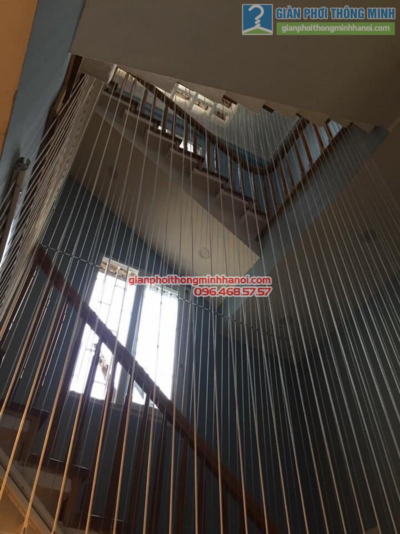 Lắp lưới an toàn cầu thang cho nhà anh Vinh - 01