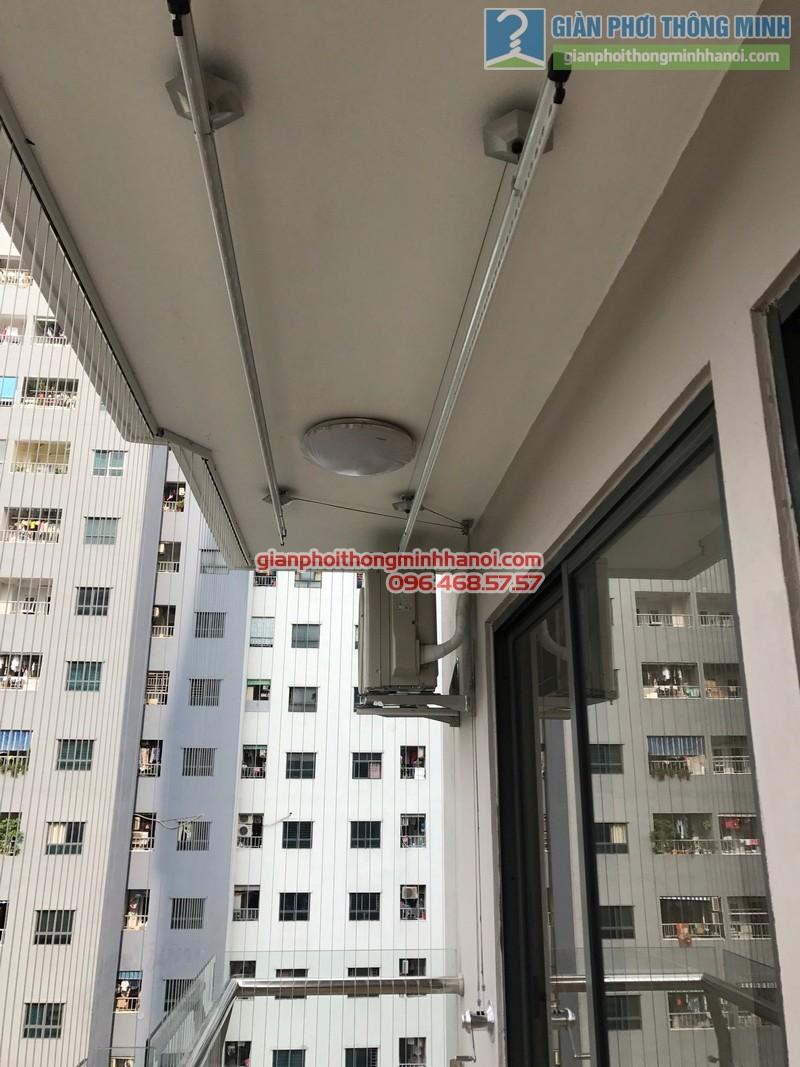 Giàn phơi Hòa Phát Air Gp990 được lắp cho nhà chị Phương, chung cư VP4 Linh Đàm, Hoàng Mai, Hà Nội - 02