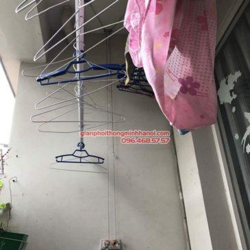 Sửa giàn phơi nhà cô Khanh, P.615, Nhà F4, ngõ 112 Trung Kính, Cầu Giấy, Hà Nội