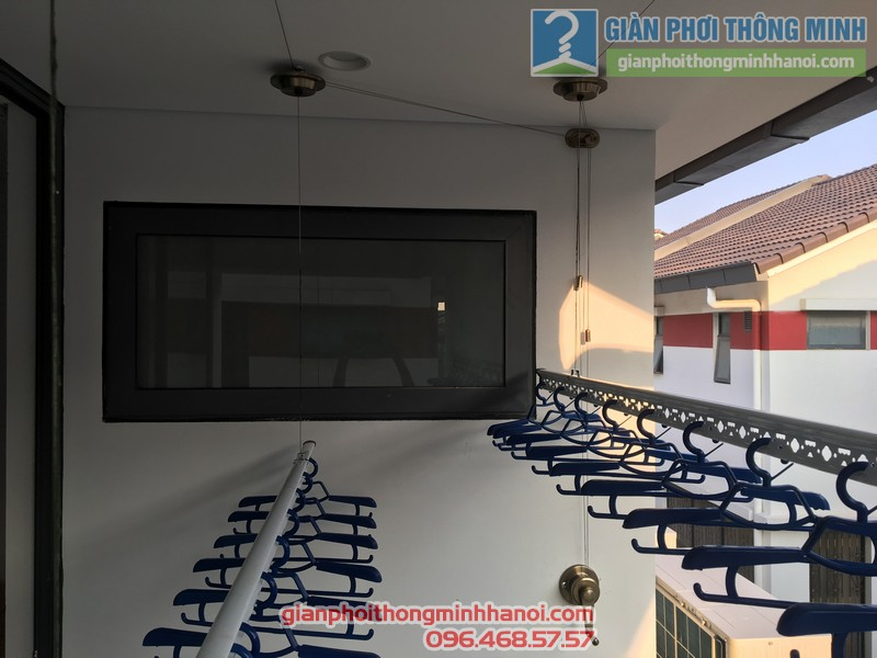 Lắp giàn phơi Hoàng Mai nhà chị Huế - bộ giàn phơi Hòa Phát Air HP703- 01