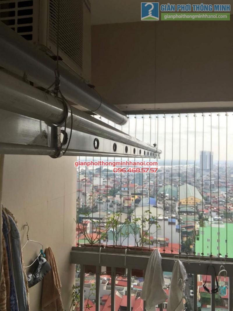 Sửa giàn phơi nhà chị Hồng, chung cư 25 Lạc Trung, Hai Bà Trưng, Hà Nội - 08