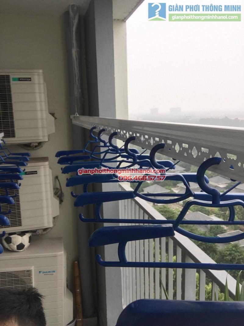 Lắp giàn phơi nhà chị Mai, P1503, Tòa A2, KĐT Ecopak - 04