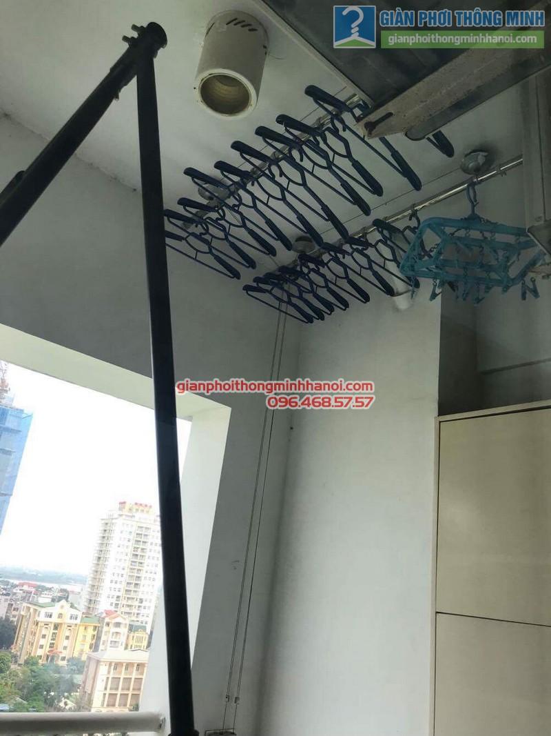 Sửa giàn phơi Duy Lợi nhà chị Linh, chung cư Vườn Đào, 689 Lạc Long Quân, Tây Hồ, Hà Nội - 06