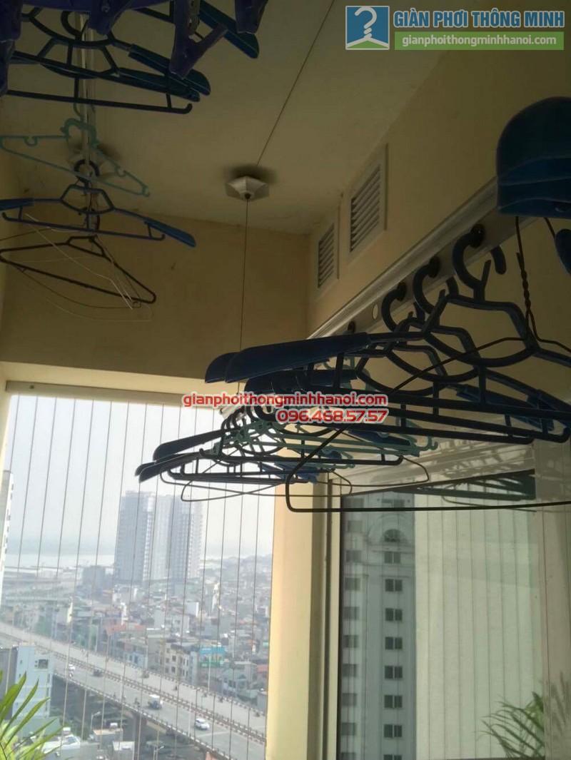Sửa giàn phơi quần áo nhà chị Điệp, chung cư Hòa Bình Green City, Minh Khai, Hai Bà Trưng, Hà Nội - 06