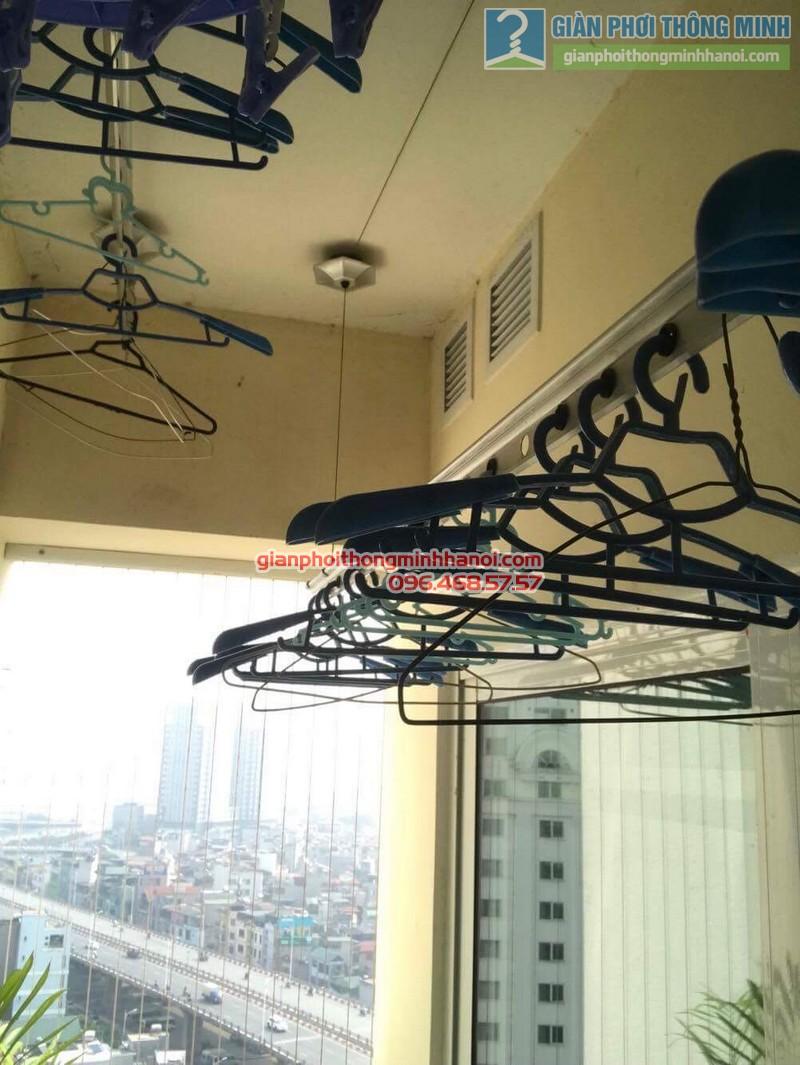 Sửa giàn phơi quần áo nhà chị Điệp, chung cư Hòa Bình Green City, Minh Khai, Hai Bà Trưng, Hà Nội - 08