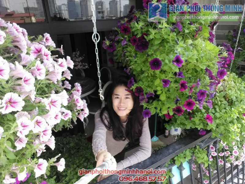 Lắp giàn phơi treo hoa tại Royal City nhà chị Khanh - 03