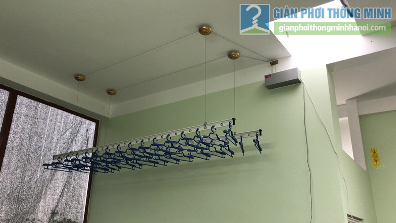 Lắp giàn phơi điện tự động Vinadry nhà chị Hảo ngõ 170 Xuân Thủy, Cầu giấy - 05