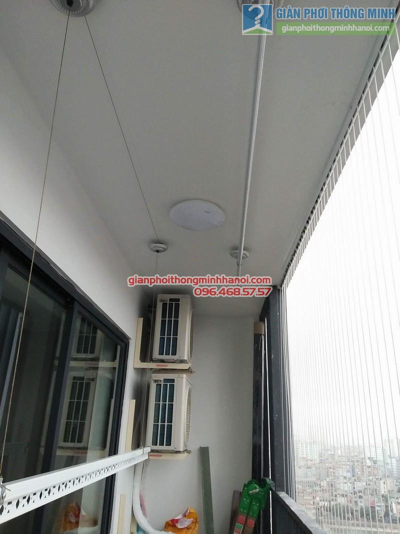 Lắp giàn phơi và lưới an toàn ban công nhà chị Phương, chung cư Five Star số 2 Kim Giang - 02