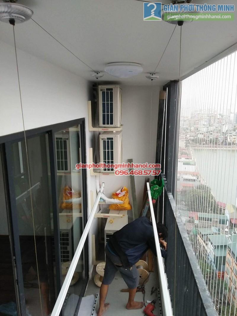 Lắp giàn phơi và lưới an toàn ban công nhà chị Phương, chung cư Five Star số 2 Kim Giang - 03